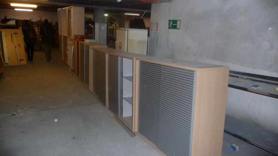 gespendete Büromöbel
